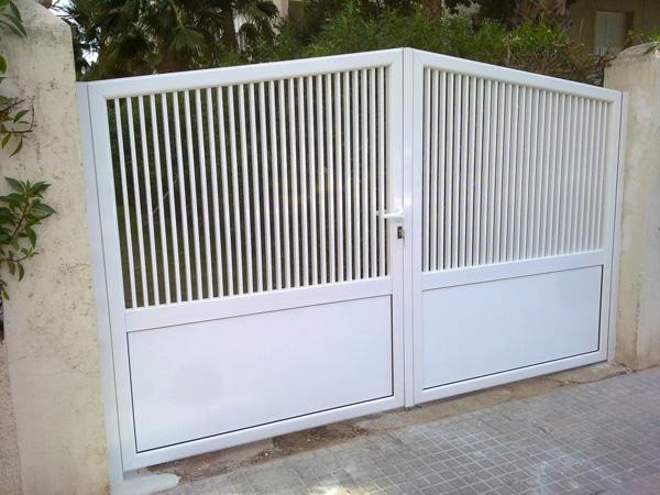 puerta exterior entrada
