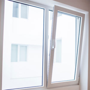ventana de aluminio oscilobatiente Tarragona